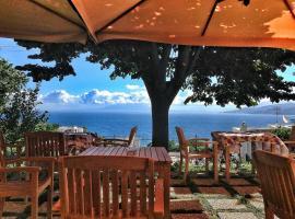 Capri Wine Hotel, отель в Капри