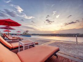 Grand Lagoi Hotel by Nirwana Gardens, hotel di Lagoi