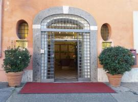 Hotel Domus Aventina, hotel near Eataly Roma, Rome
