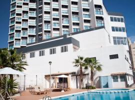 La Familia Gallo Rojo, hotel en El Campello