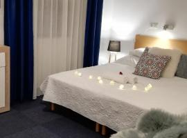 Sziget, hotel Ábrahámhegyen