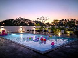 Riverra Inn, hotel di Kuah