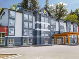 Microtel Inn & Suites by Wyndham Oyster Bay Ladysmith, hotel near Nanaimo Airport - YCD,