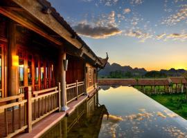 Emeralda Resort Ninh Binh, accommodation in Ninh Binh