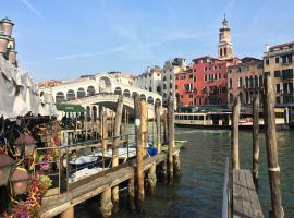 Sei a Rialto Apartment, apartment in Venice