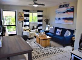 Salty Toes Cottage, vacation rental in Clearwater Beach