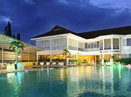 The Color Living Hotel, hotel in Bangna