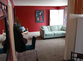 Amazing location! 4 blocks to the beach!, vacation rental in Huntington Beach