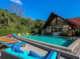 Naiharn Beach Resort, hotel near Nai Harn Beach, Nai Harn Beach