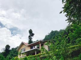 Shanti Niwas Homestay, pet-friendly hotel in Martam