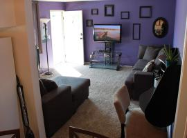 4 blocks to the beach! In the heart of downtown!, vacation rental in Huntington Beach