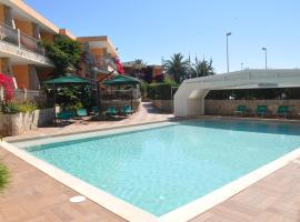 Palm Village, hotel with jacuzzis in Villasimius