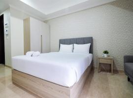 Minimalist Studio Menteng Park Apartment By Travelio, apartment in Jakarta