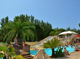 Camping L'EDEN, hotel with jacuzzis in Le Grau-du-Roi