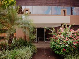 Maximus Sottile Hotel, hotel with pools in Ji-Paraná
