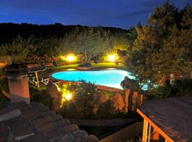 Hotel Il Piccolo Golf, hotel with pools in Porto Cervo