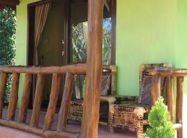 Kuta Mountain Bungalows, villa in Kuta Lombok