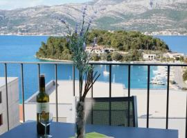 White Cloud Apartments, hotel with pools in Korčula