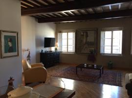 La Casa Di Mabel, hotel in Lucca