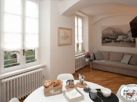 LA CASA DI GLADYS, self catering accommodation in Lecco