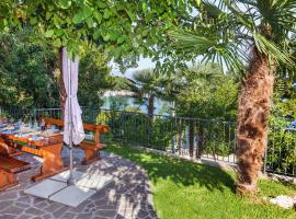 Apartment Villa Lidija, pet-friendly hotel in Lovran