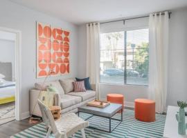 Luxury 2BR   Heated Pool #1058 by WanderJaunt, apartment in Phoenix