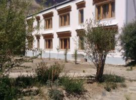 Maitreya Nubra, self catering accommodation in Deskit