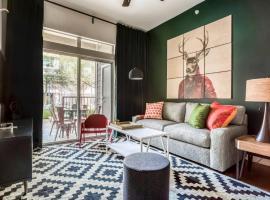 Stylish 1BR by Downtown Austin #149 by WanderJaunt, apartman u gradu 'Austin'