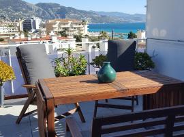 Chez Lola, appartement à la plage, à Roquebrune-Cap Martin, apartment in Roquebrune-Cap-Martin