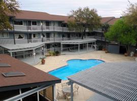 Home Suites, hotel in San Antonio