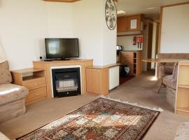 Park Home at Family Holiday Park North Wales, hotel in Rhyl