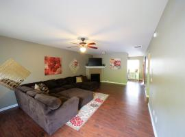 2000 sq.feet-10 mins from Atlanta Airport, vacation home in Atlanta