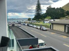 Stay at Mount Maunganui, hotel in Mount Maunganui