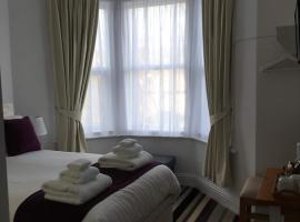 Fernville Guest House, hotel near Weston-Super-Mare Golf Club, Weston-super-Mare