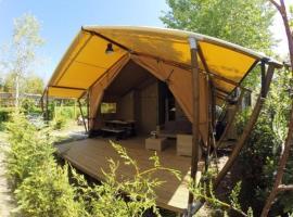 Safari Lodge Luxe Julietta 3, luxury tent in Viareggio