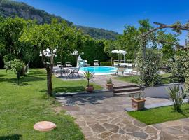 Amore Rentals - Casa Limoneto, hotel with pools in Sorrento