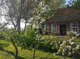 Beautiful Farmhouse in Veere with Open Fireplace, holiday home in Veere