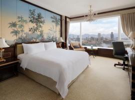 Island Shangri-La Hong Kong, hotel v Hong Kongu