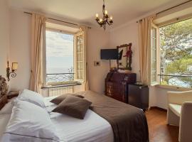 Hotel Punta Est, hotell i Finale Ligure