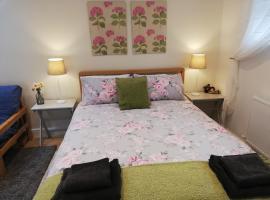 Rosehips at Kerensa, Naburn, apartment in York