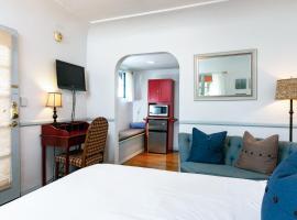 Sunny Hotel Room Corner Unit Hotel Room, hotel in Santa Barbara