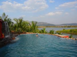 Fazlani Natures Nest- A Wellness Retreat, room in Lonavala