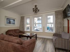 The Square townhouse Fermoy, hotel near Annes Grove Gardens, Fermoy