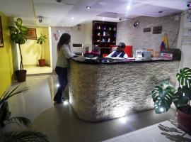 Hostal El Roble, hotel em Quito