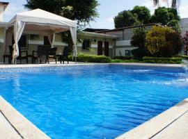 Urdesa Suites Hotel, hotel en Guayaquil