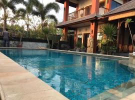 Villa Kenanga in Meninting By The Beach, villa in Mataram