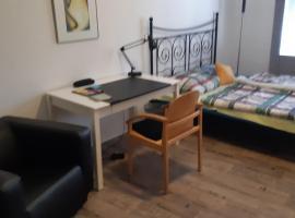 sperrwerk in Prl.Berg, δωμάτιο σε οικογενειακή κατοικία στο Βερολίνο