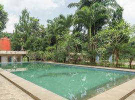 RedDoorz Plus @ Lodaya Gunung Geulis Puncak, hotel in Bogor