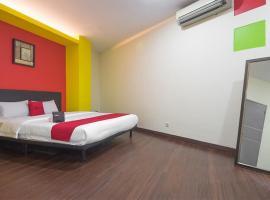 RedDoorz near ITC Mangga Dua, hotel in Jakarta