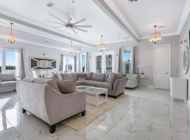 Stunning Penthouse in the Heart of the City, vacation rental in New Orleans